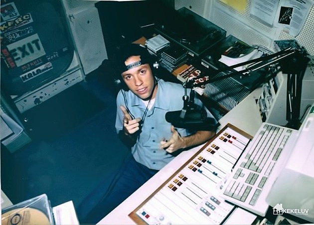 Kekeluv aboard the Carrier U.S.S. Abraham Lincoln , doing radio.