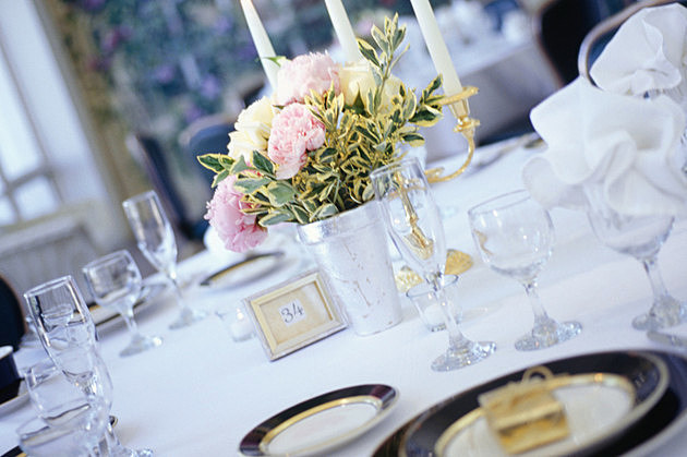 Table at wedding reception, close-up
