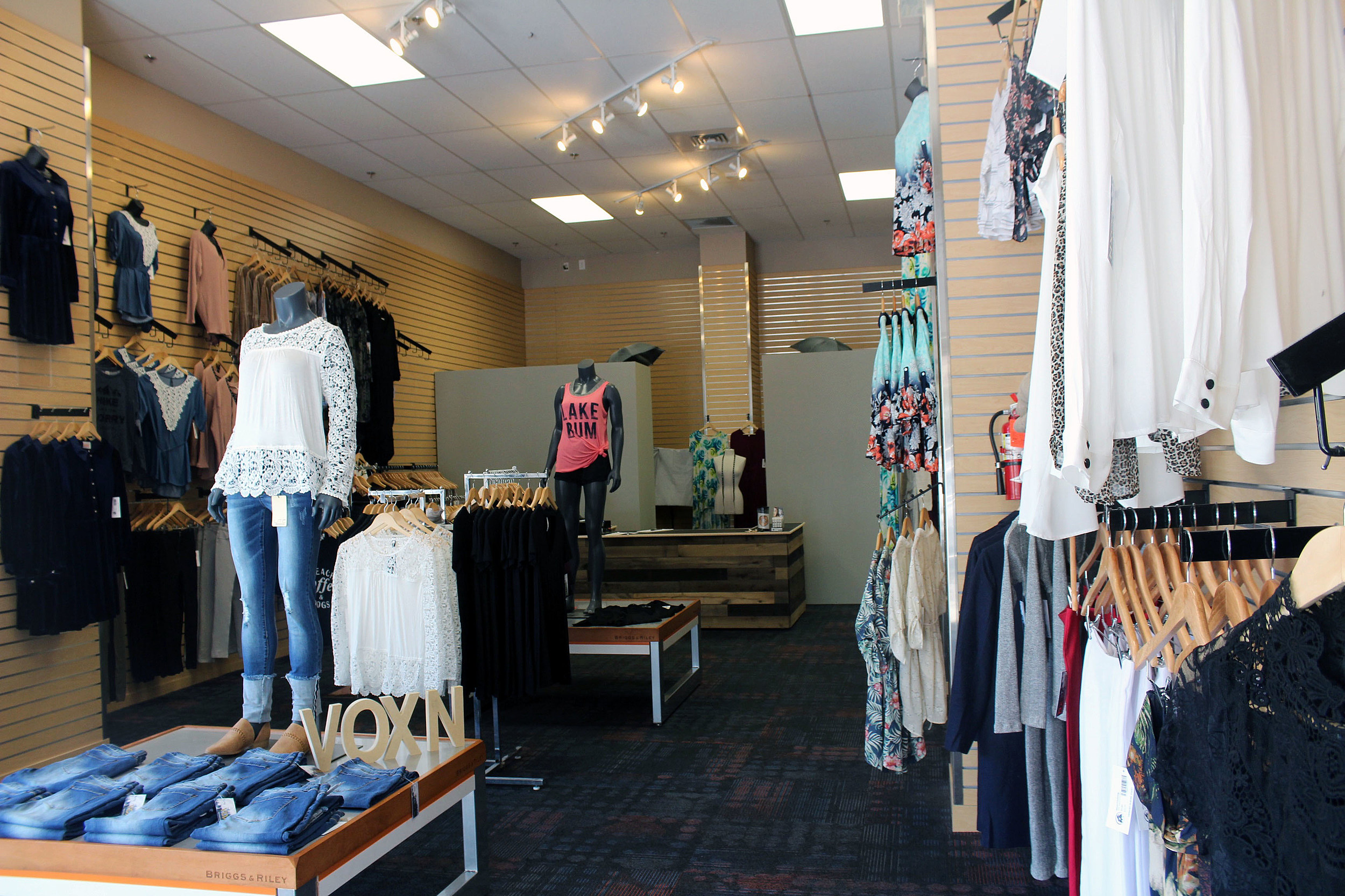 Ava Rae Boutique is an online women's clothing boutique, based in Boise, ID. Ava Rae Boutique offers fast fashion styles that are perfect for the working women, stay at home moms and every women in between. Here at Ava Rae Boutique, we believe looking fabulous doesn't need to empty your wallet!